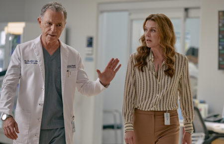 Bruce Greenwood as Bell, Jane Leeves as Kit in The Resident